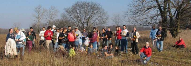 group of volunteers at Schaumburg Road Grasslands